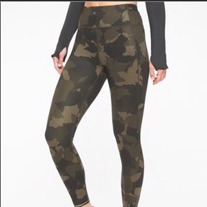 Athleta Camo 7/8th leggings
